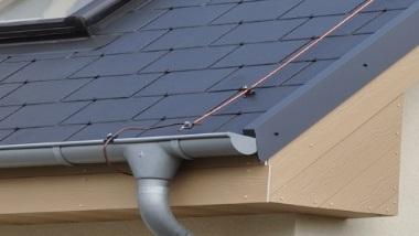Sprawdź naszą ofertę na podbitkę dachową z drewna i z cedrala