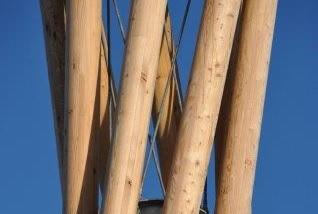Słupy z drewna klejonego